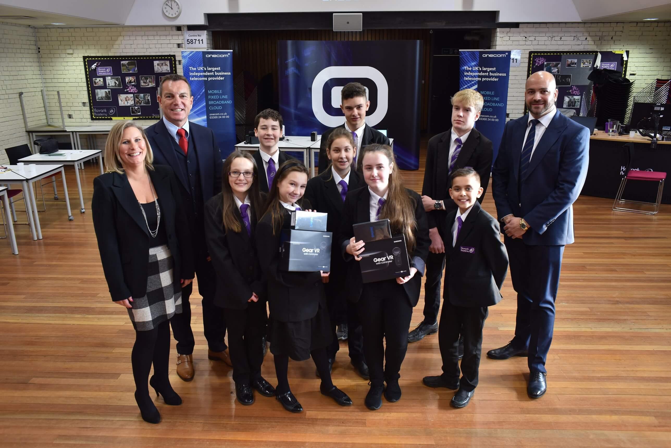 Winning pupils wow Onecom entrepreneurs at Dragons' Den finale